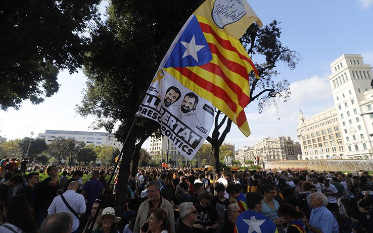Catalogna, il presidente Torra chiede lo stop immediato delle violenze
