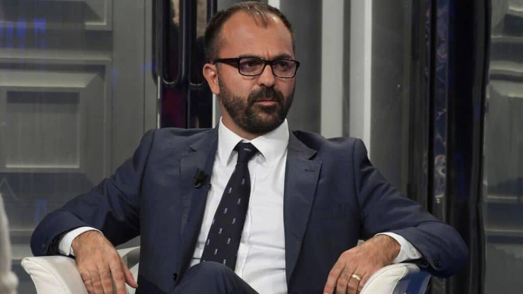 M5s, Fioramonti: Movimento non ammette dissenso, o taci o esci