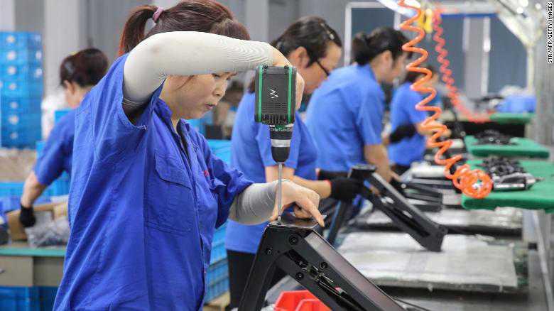 Cina, il coronavirus fa crollare il PIL