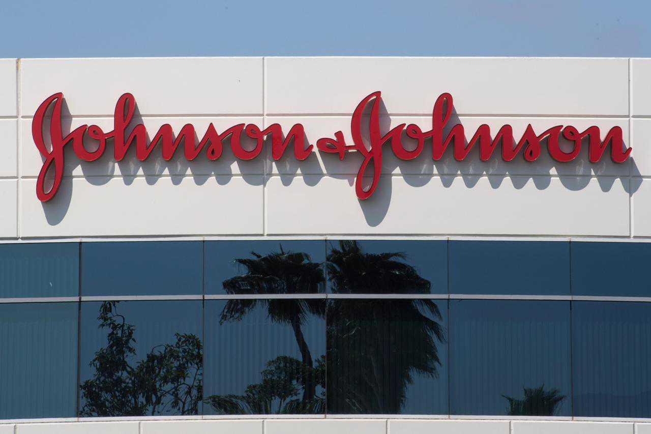 Malattia inspiegabile in un volontario, Johnson and Johnson ferma studi sul vaccino